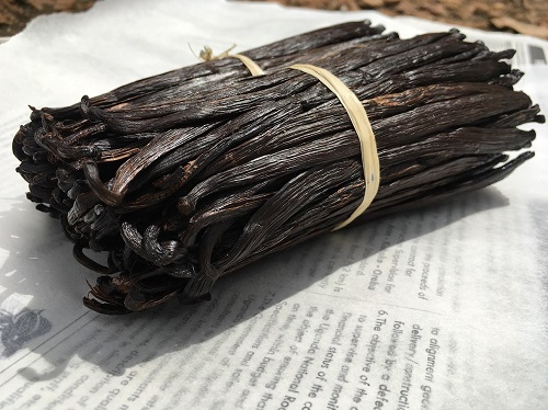 Grade A Vanilla Beans of Flat Surface in Uganda. This is the front view of these two Bundles just before we Packed them for export.