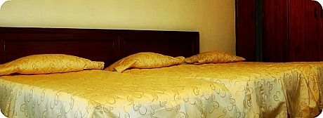Holiday Express Hotel Room
