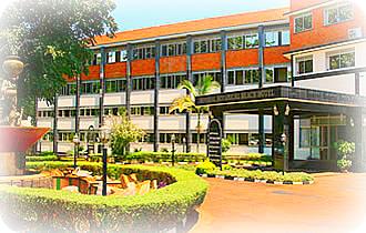 Uganda Hotels Booking Guide: Imperial Botanical Beach Hotel