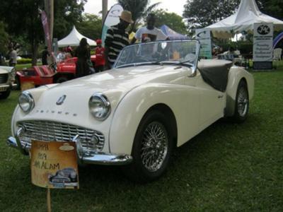 Triump 1959 Uganda Autoshow 2012
